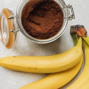 Cocoa powder and bananas